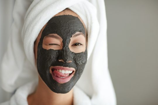 Cleansing the pores with activated charcoal powder use